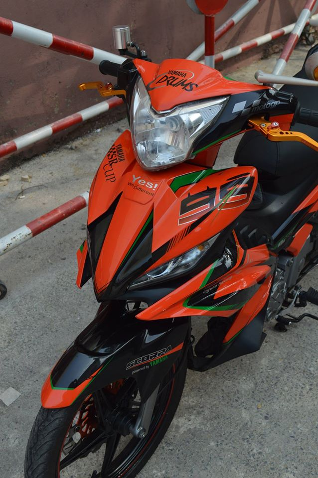 Exciter do phien ban Lorenzo chay cho KTM - 2