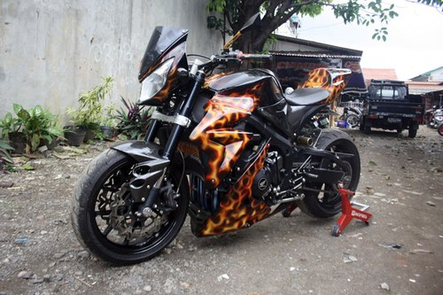 Honda CBR600RR do ham ho voi phong cach Street Fighter
