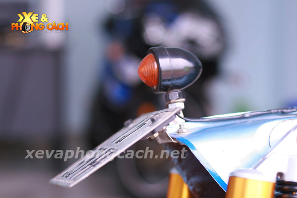 Honda Cub doi 79 do chat voi phong cach Bobber - 10