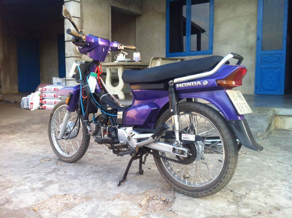 Honda Dream tim do 4val may nuoc noi cong khung - 2