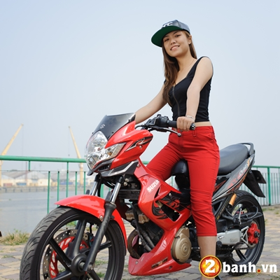Hot girl tao dang ben canh cac thien than Suzuki