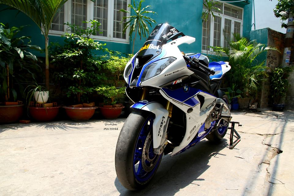 Ngam chiec BMW S1000RR HQCN day do choi hang hieu