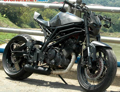 Raider 150 do phong cach Streetfighter