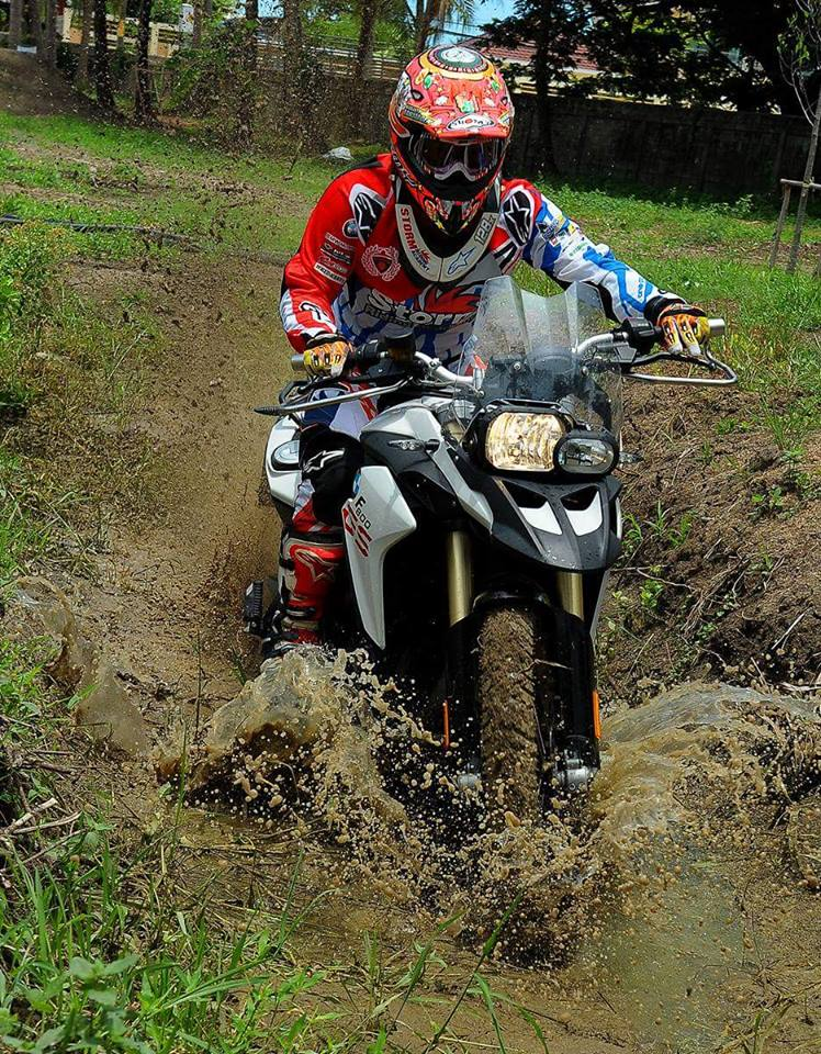 BMW F800GS offroad day an tuong