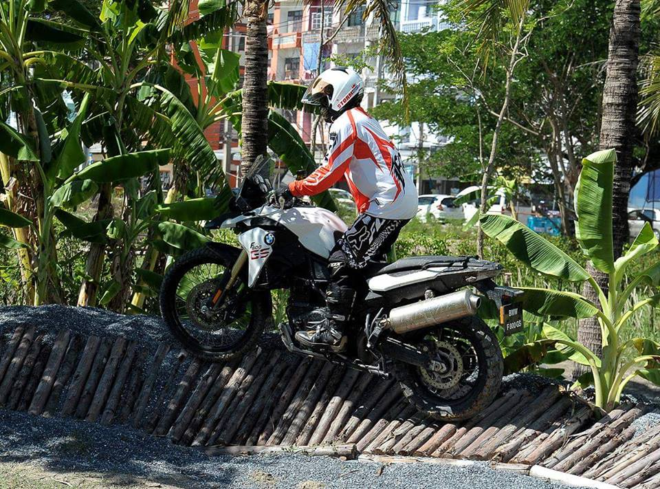 BMW F800GS offroad day an tuong - 4
