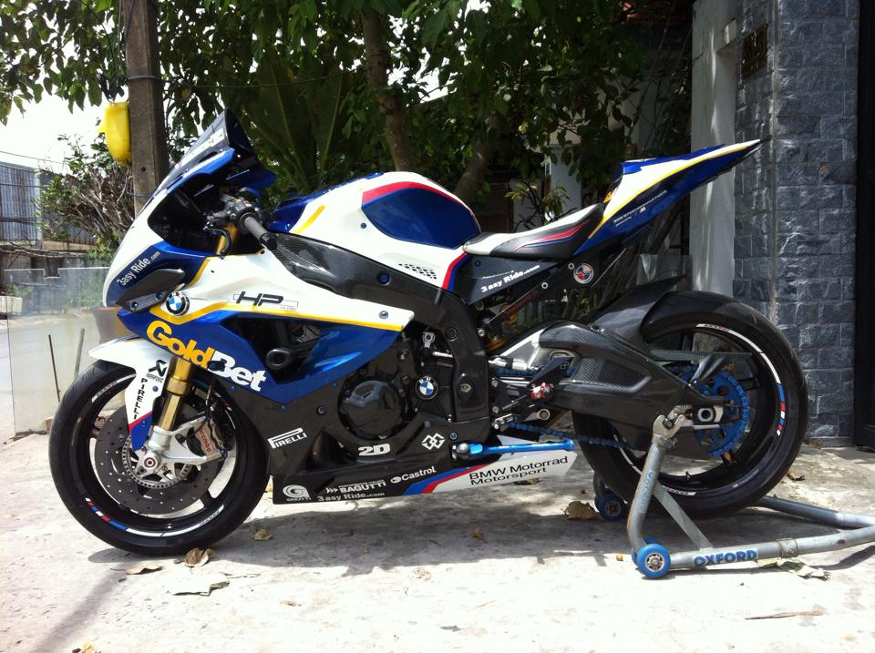 BMW S1000RR do full do choi khung tai Sai Gon