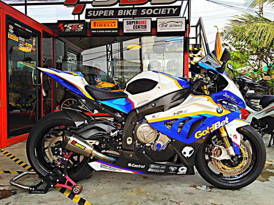 BMW S1000RR GoldBet do cuc dinh tai Thai