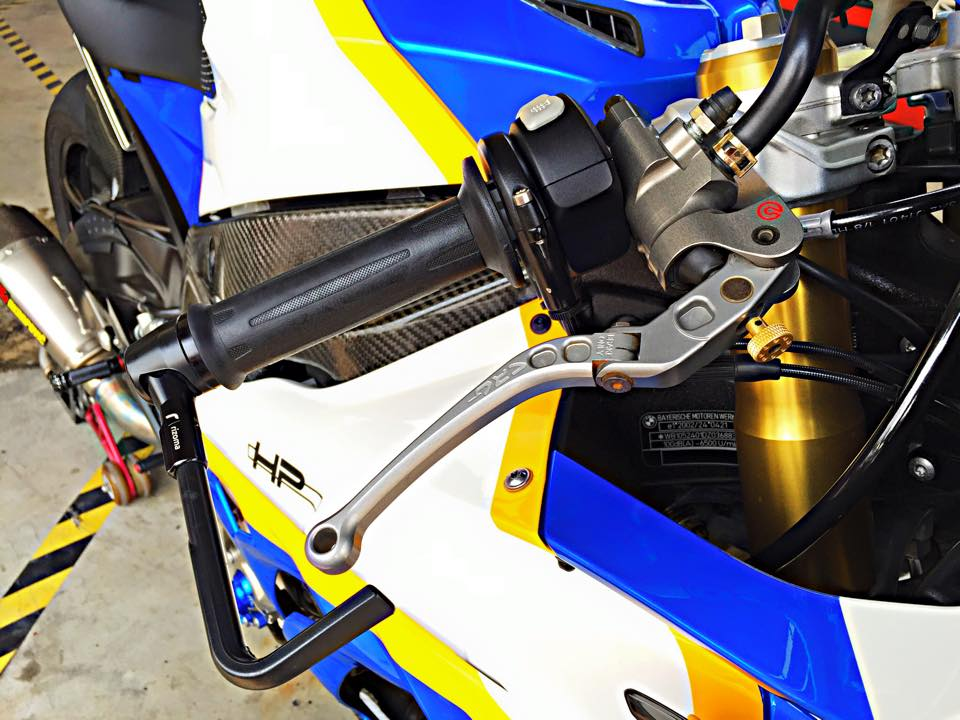 BMW S1000RR GoldBet do cuc dinh tai Thai - 4