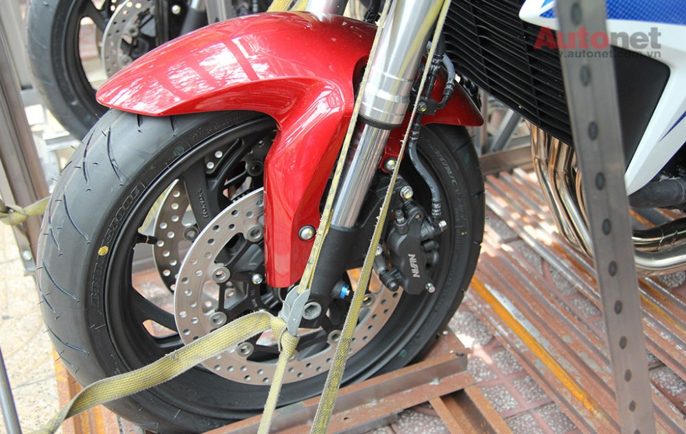Can canh cap doi Honda CB1000R 2015 vua ve den Sai Gon - 5