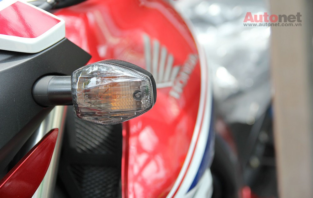 Can canh cap doi Honda CB1000R 2015 vua ve den Sai Gon - 6