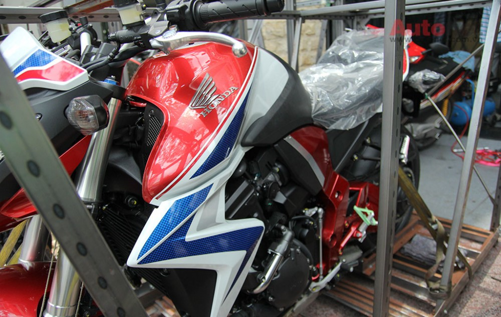 Can canh cap doi Honda CB1000R 2015 vua ve den Sai Gon - 8