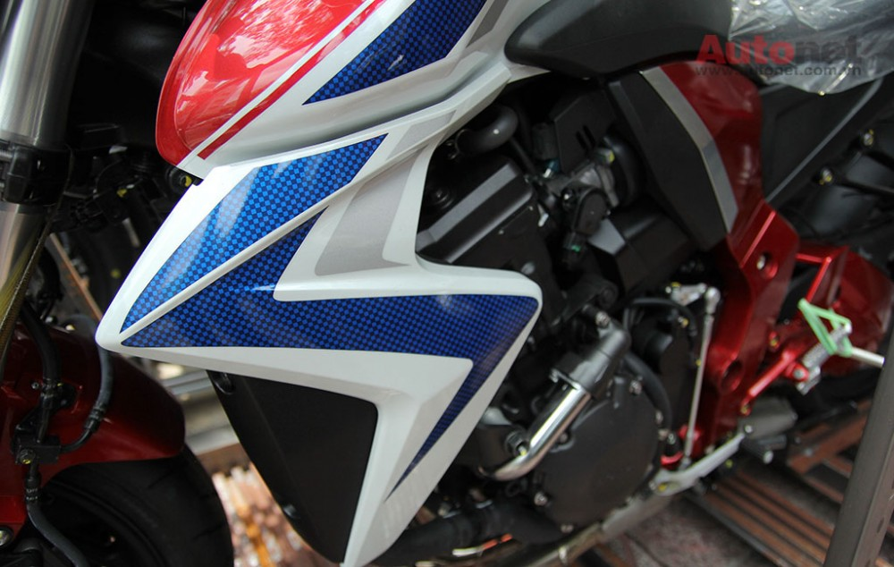 Can canh cap doi Honda CB1000R 2015 vua ve den Sai Gon - 16