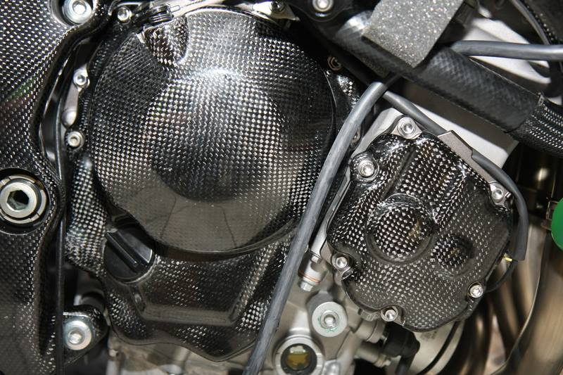 Can canh qua trinh do Kawasaki Ninja ZX10R do Carbon tai Thai - 4