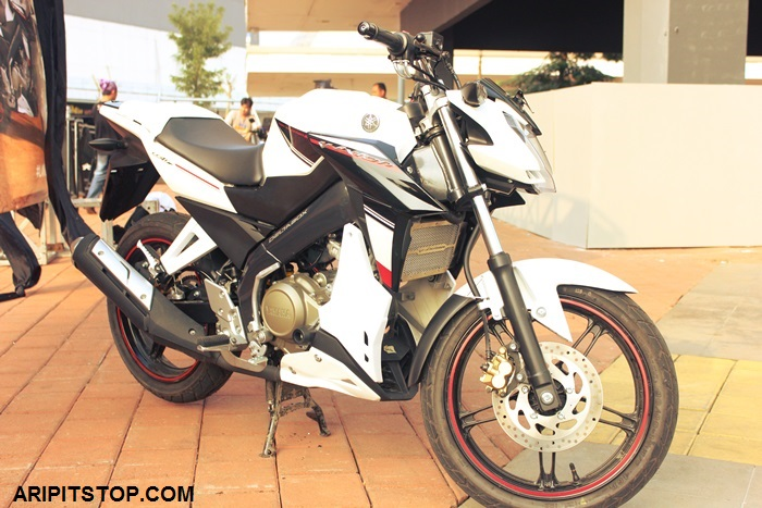 Can canh Vixion the he 3 voi nhung mon do Custom
