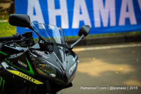 Can canh Yamaha R15 Monster Yamaha Tech 3 - 5