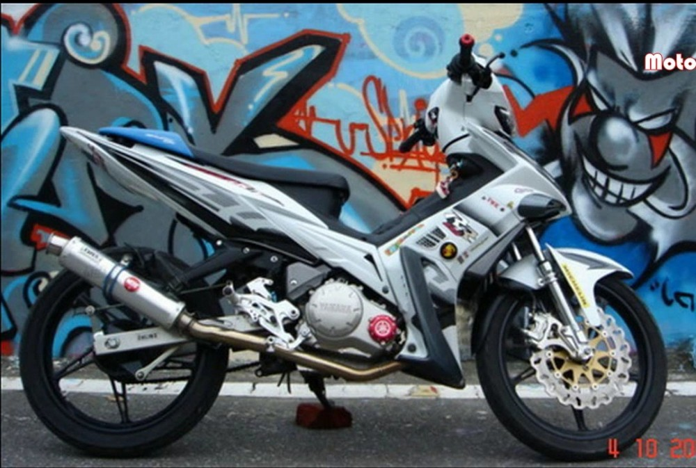 Chum anh Exciter do do mot fan Yamaha suu tam - 4