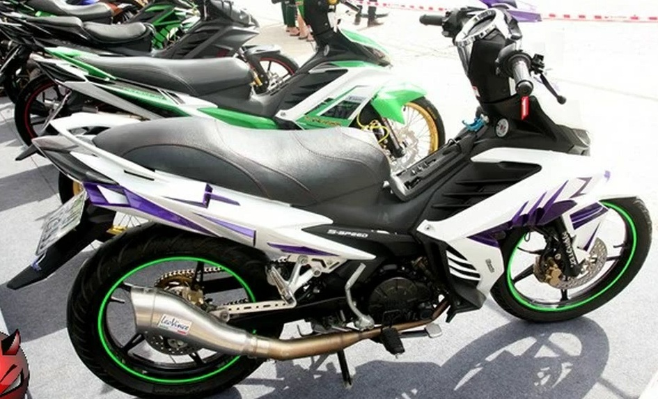 Chum anh Exciter do do mot fan Yamaha suu tam - 6