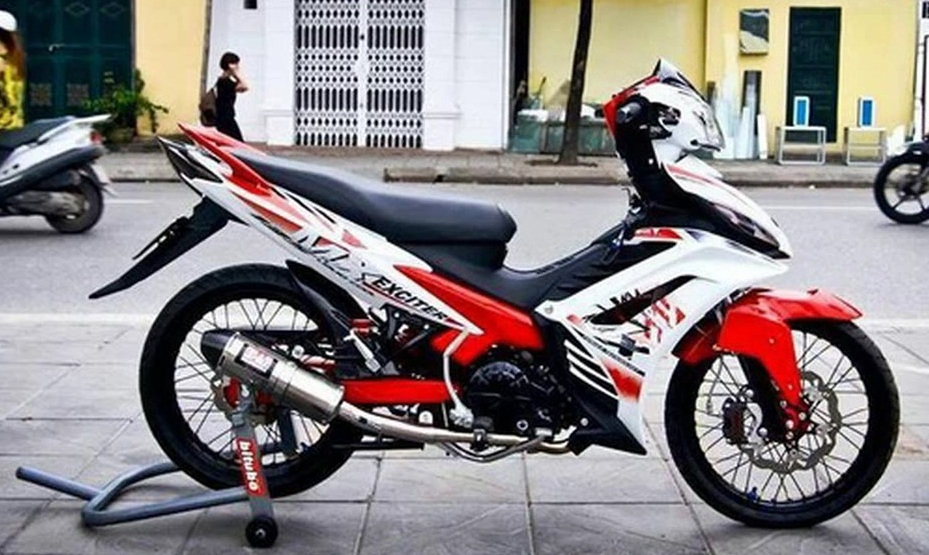 Chum anh Exciter do do mot fan Yamaha suu tam - 7
