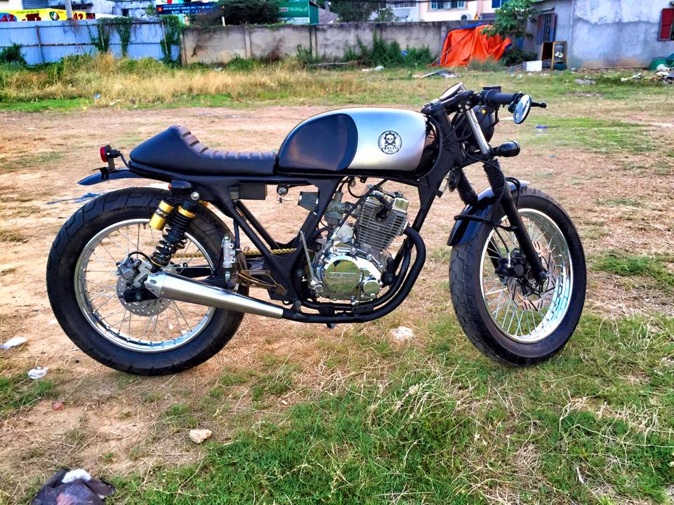 Daelim 125 do Cafe Racer - 8