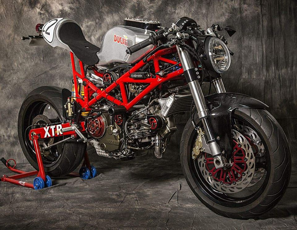 Ducati Monster 795 do Cafe Racer day phong cach