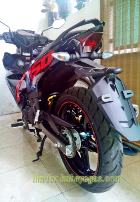 Exciter 150 voi cach do pass bien so don gian cua Biker Indonesia - 8