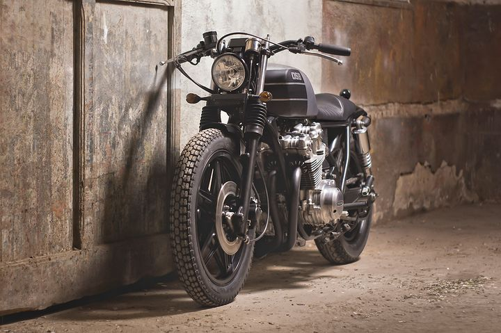 Honda CB750 day chat thep voi phong cach Cafe Racer - 2