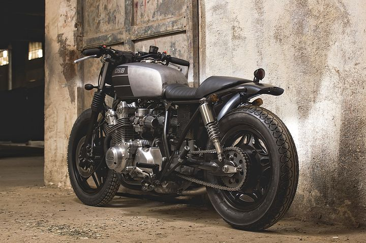Honda CB750 day chat thep voi phong cach Cafe Racer - 3