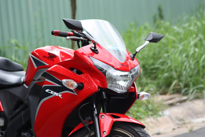 Honda CBR150 do don gian voi 1 gap NSR