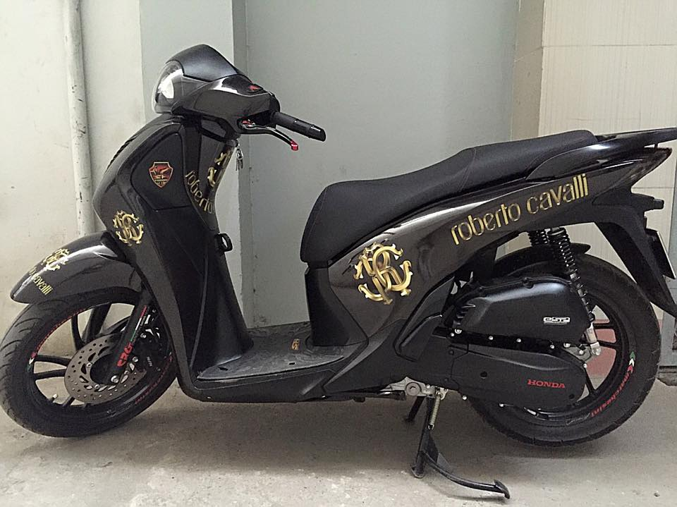 Honda SH do phien ban Black Gold Edition - 3