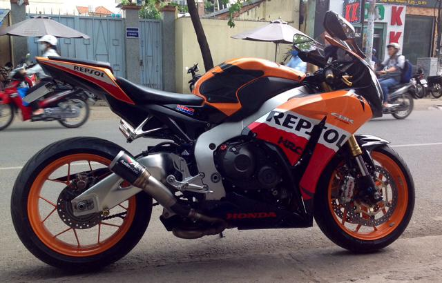 Clip Test CBR1000 voi po AustinRacing GP1 am thanh hu ao