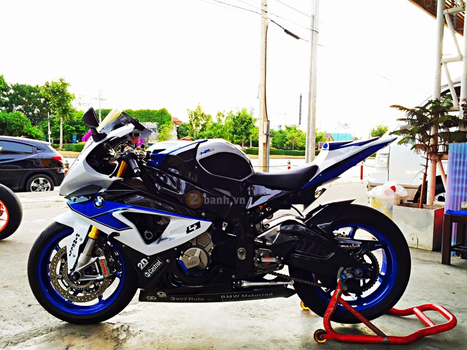 BMW HP4 do cuc dinh voi nhung option hang hieu tai Thai