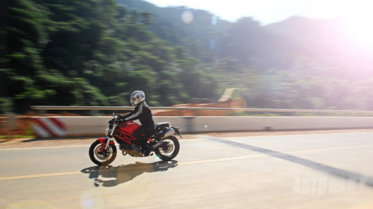 Bo anh dep ve Ducati Monster 795 - 7