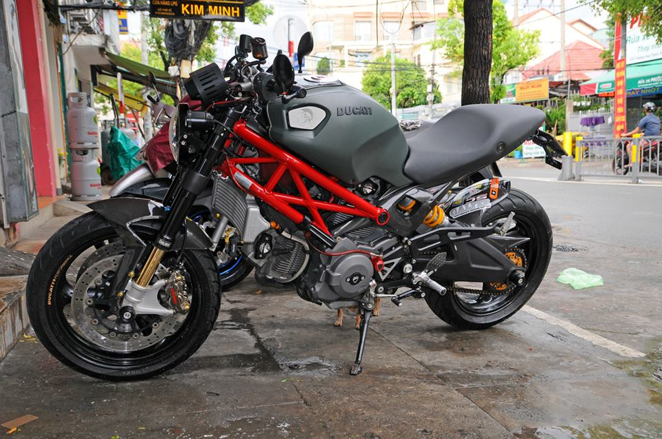 Ducati Monster 795 do sieu ngau tai Sai Gon - 2