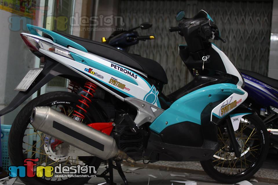 Honda Air Blade petronas do chat - 3
