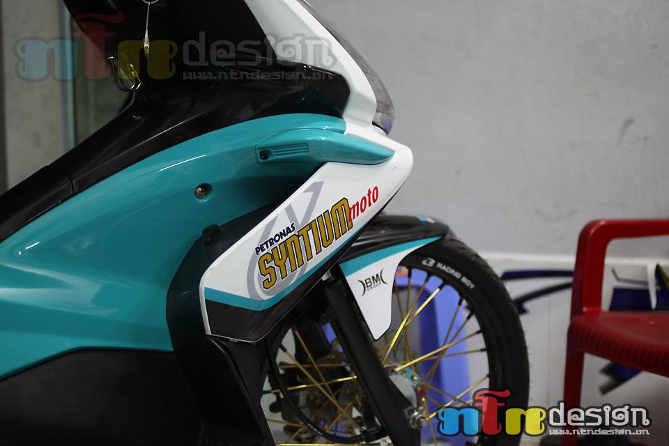 Honda Air Blade petronas do chat - 4