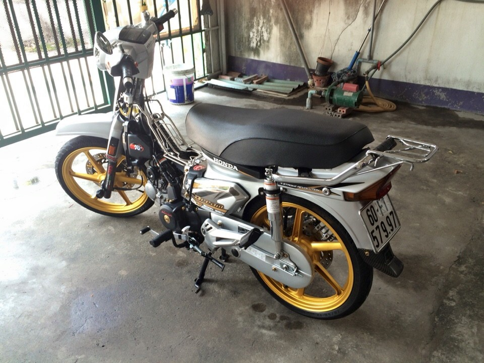 Honda Dream do dam chat manh me va phong cach - 6