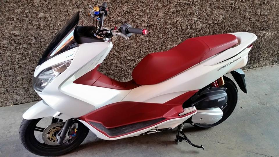 Honda PCX do nhe voi vai mon do choi hang hieu