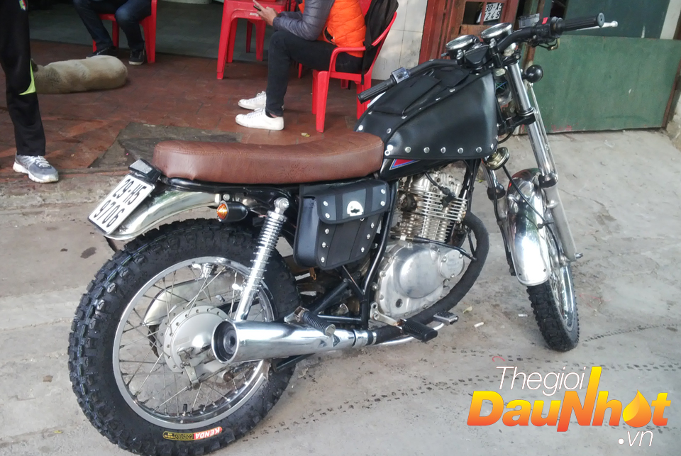 Lop gai do CAFE RACER TRACKER cap nhat mau moi 2015 - 11