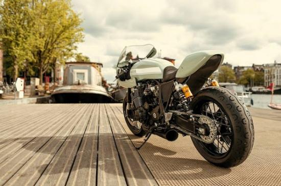 Yamaha XJR1300 do Cafe racer cua xuong do Numbnut Motorcycles - 5