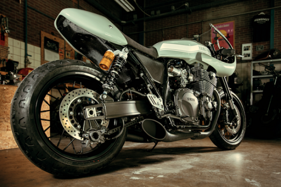 Yamaha XJR1300 do Cafe racer cua xuong do Numbnut Motorcycles - 6