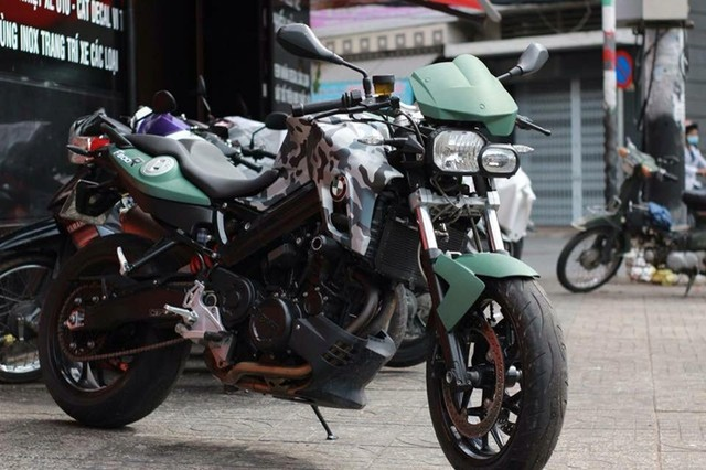 BMW F800GS Camo do day doc dao cua biker Sai Gon