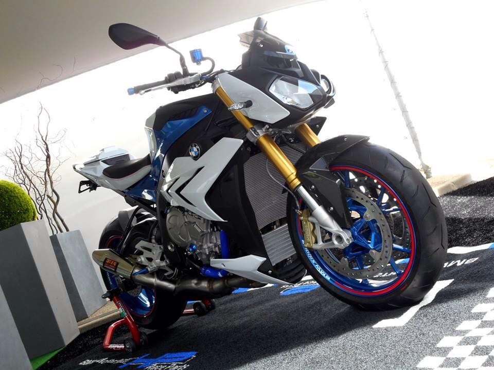 BMW S1000R chiec Nakedbike do cung cap day uy luc