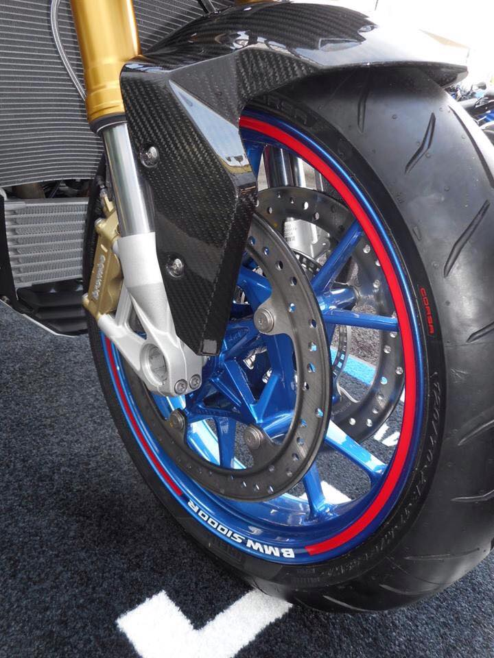 BMW S1000R chiec Nakedbike do cung cap day uy luc - 3