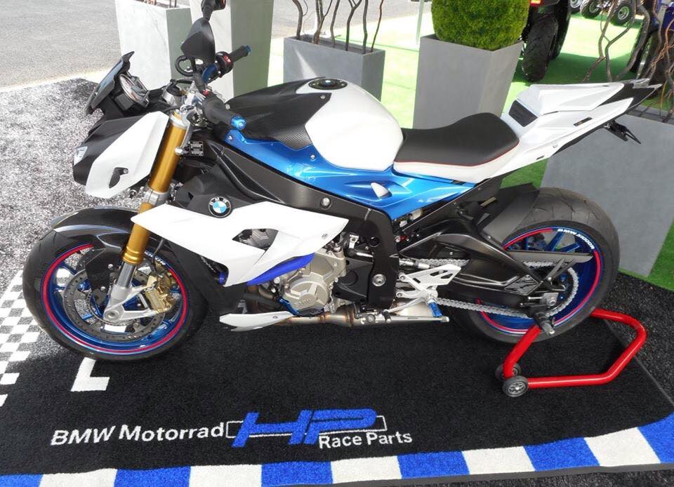 BMW S1000R chiec Nakedbike do cung cap day uy luc - 8
