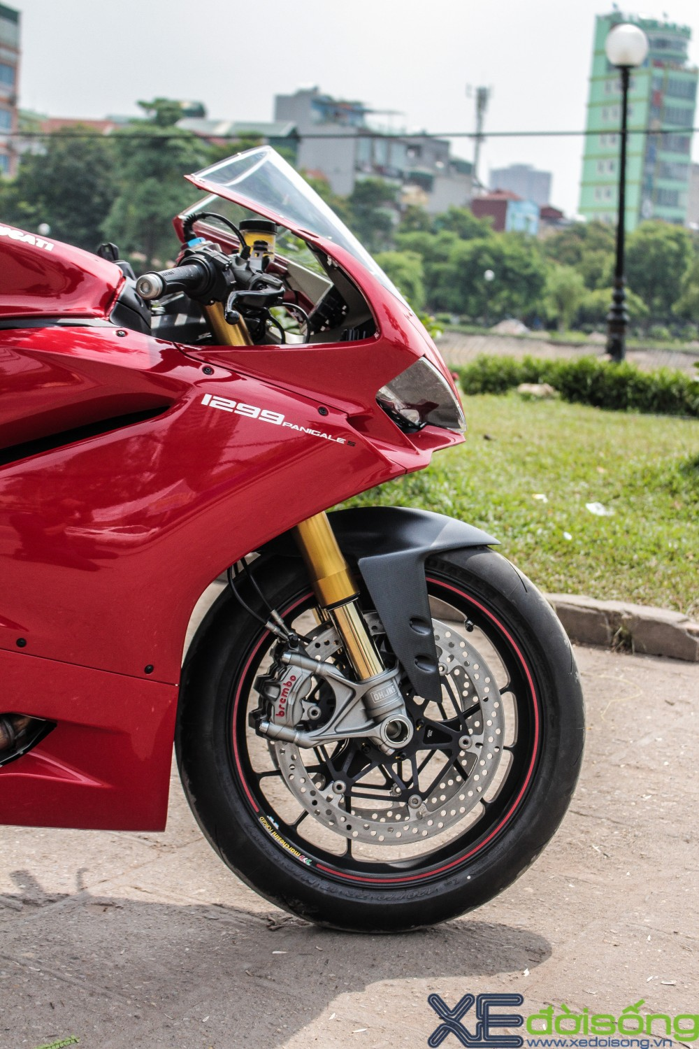Can canh Ducati 1299 Panigale S dau tien tai Viet Nam voi gia 1 ty dong - 4