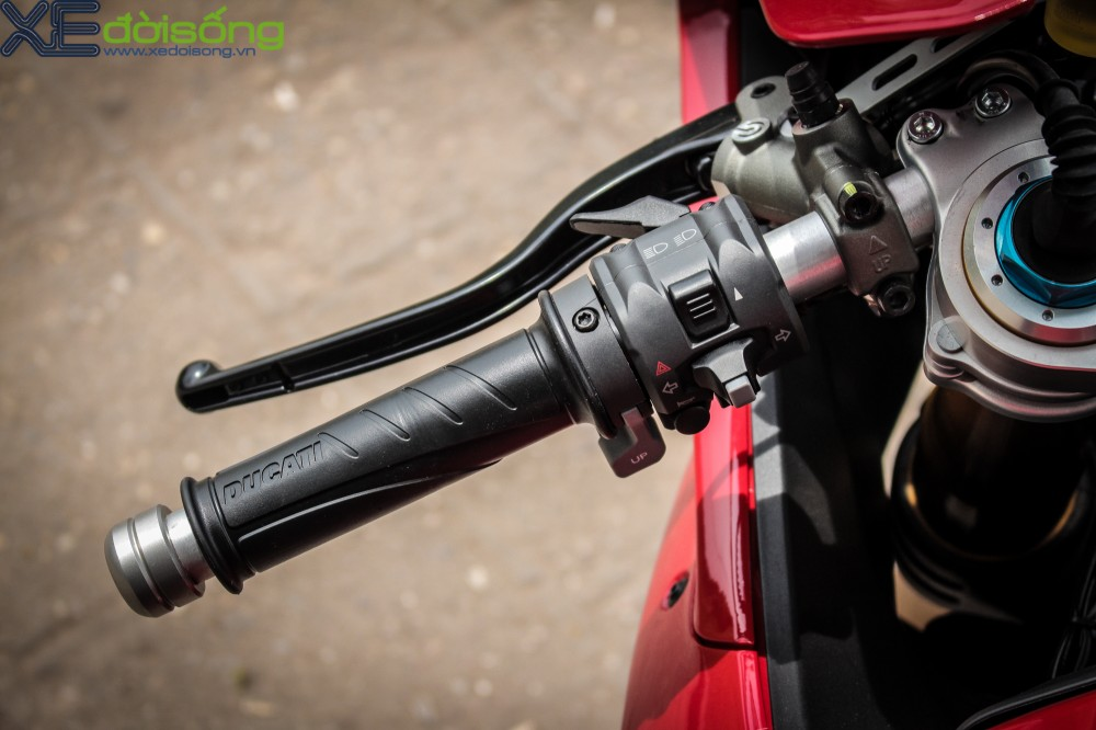 Can canh Ducati 1299 Panigale S dau tien tai Viet Nam voi gia 1 ty dong - 7