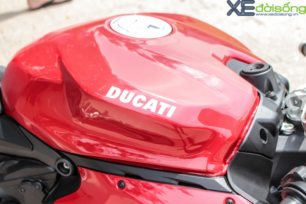 Can canh Ducati 1299 Panigale S dau tien tai Viet Nam voi gia 1 ty dong - 12