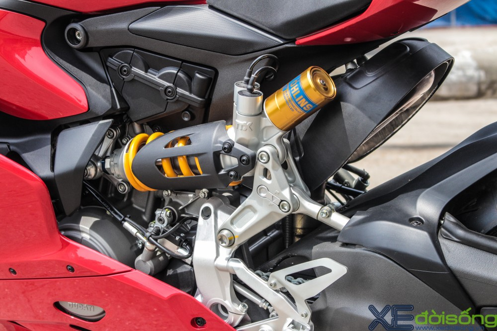 Can canh Ducati 1299 Panigale S dau tien tai Viet Nam voi gia 1 ty dong - 16