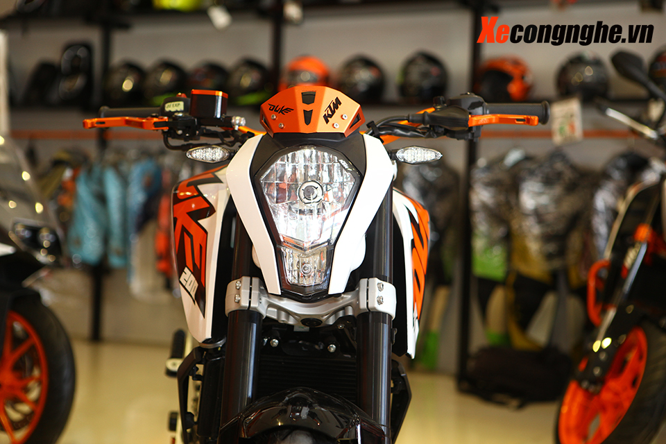 Can canh KTM Duke 200 ban 2015 moi ve Viet Nam - 3
