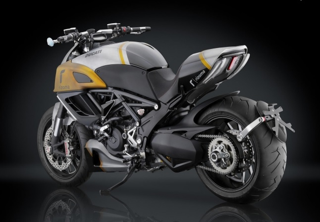 Ducati Diavel do full option do choi Rizoma - 7